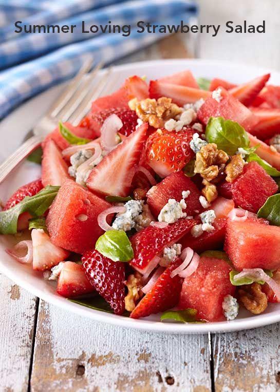 Summer Loving Strawberry Salad via @castrawberries #StrawberrySelfie #spon