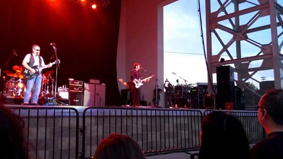 Buck playing a 40th Anniversary Buck Dharma model. The Golden Age of Leather - Blue Oyster Cult Live 2013