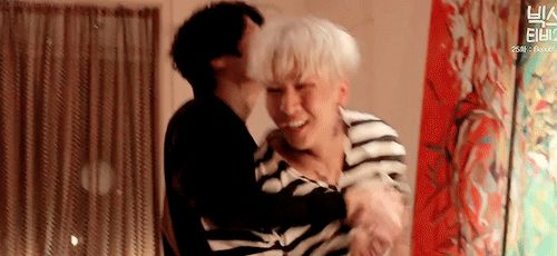 Leo and Ravi during the making of Beautiful Liar MV, they couldn't stop laughing when Leo had to jump on Ravi's back ( ´ ▽ ` )ノ