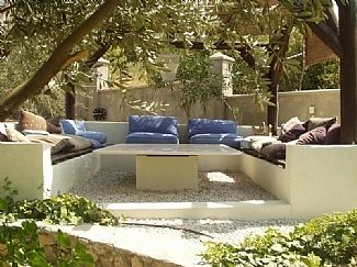 Sunken outdoor seating area google search outdoor for Sunken outdoor seating