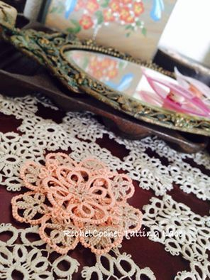 写真は、「つる薔薇」ですが^^;もうすぐ桜の季節!「たっちんぐお花見しよ~!」☆ |RichetCochet~~Tatting Lace(リシェコシェ・タティングレース教室)