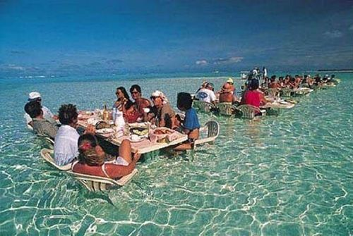 Dining in water--Hawaii