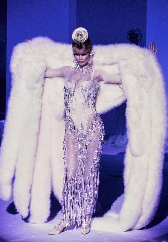 Mugler Fall 1995 Couture Fashion Show - Claudia Schiffer