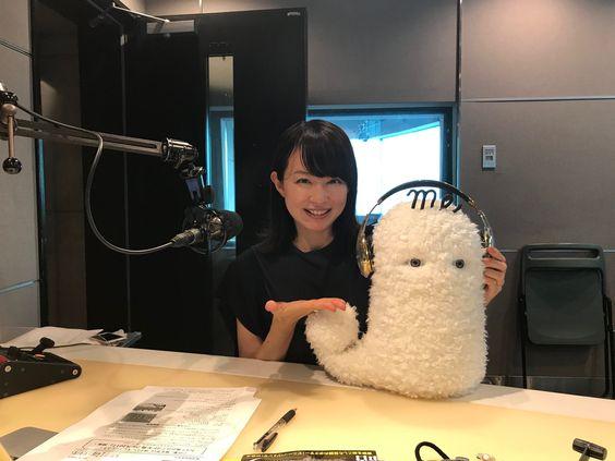 平井理央ラジオ番組でぬいぐるみにヘッドフォン付ける