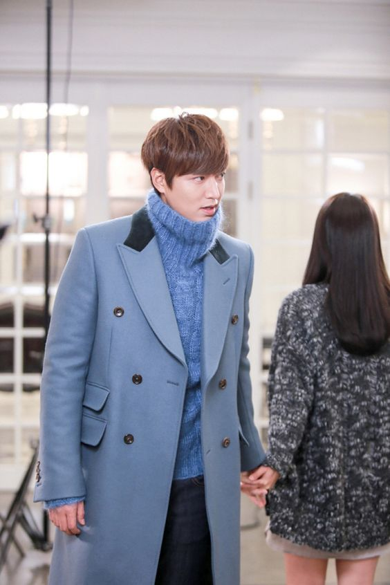 """""""Heirs"""": Lee Min Ho & Park Shin Hye's Fleeting Hand Hold   Couch Kimchi"""