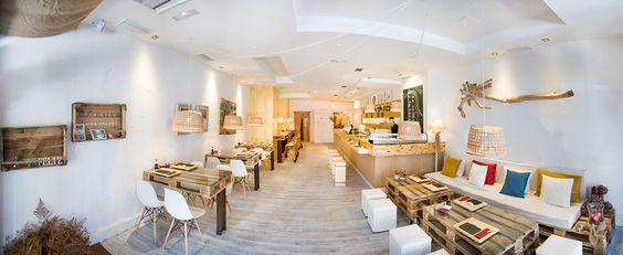 Art and Sushi || Restaurante japonés especializado en sushi take away & stay en La Coruña. Servicios: sushi, tartares, ceviches, gyozas, brochetas yakitori, edamame, ensaladas wakame, postres, gin tonics