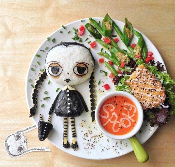 Leckeres Essen anrichten und dekorieren familie addams