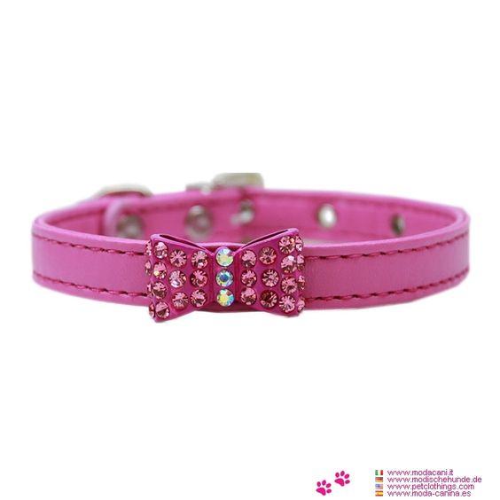 Collier Rose pour Petit Chien avec Arc de Strass - Collier lisser en similicuir en couleur rose vif, pour un petit chien (Chihuahua, caniche); il a un arc avec des strass dans le centre