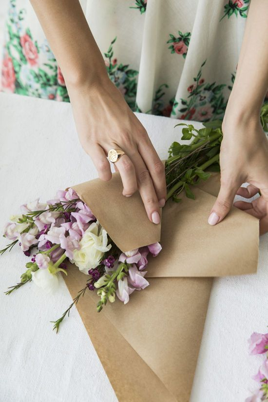 11 best images about ideas on pinterest flower roses and bouquets clever ways with kraft paper wrap up a bouquet of flowers mightylinksfo