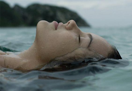 Junto al mar ha llegado a mi vida ...EL AMOR