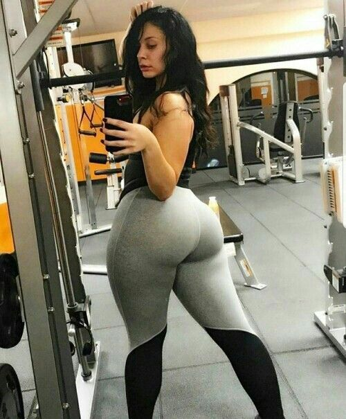 Thicc White Girl Riding