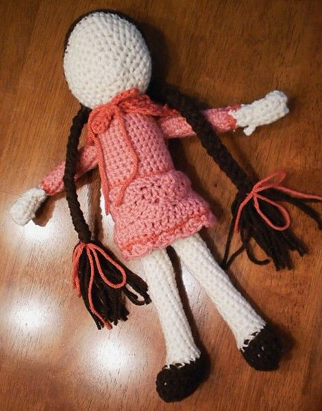Crow Haven Cottage: Free Crochet Doll Pattern ~ Part 4 - And a Leg !