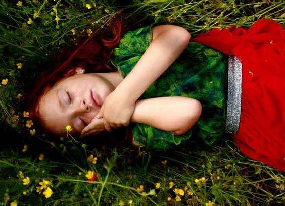Sanjali ste osobu koja je preminula? Saznajte šta to znači… - http://besnopile.rs/sanjali-ste-osobu-koja-je-preminula-saznajte-sta-to-znaci/