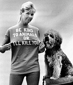 doris day and friend. i want her t-shirt!!