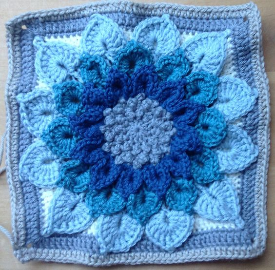 The Crocodile Flower pattern by Joyce D. Lewis Ravelry ...