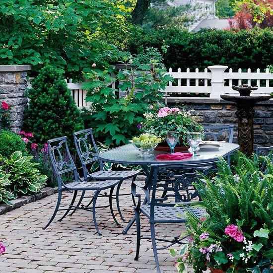 Regeln für Gartengestaltung getrocknete bachbett