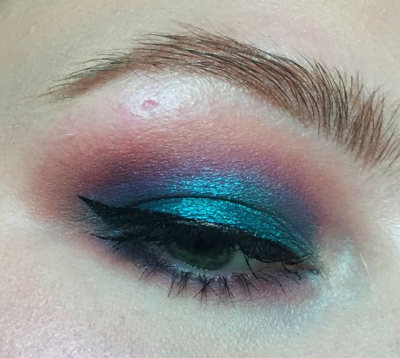 Hooded eyes are awesome for bright colors! Colorful Natasha Denona look! - Album on Imgur