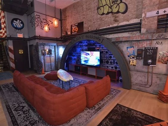 Spend a night in the Teenage Mutant Ninja Turtles' Lair on Airbnb (10 Photos) -      View as Slideshow              You can finally make your dreams come true and stay in the  TMNT's turtle lair  in New York. Airbnb is throwing ...