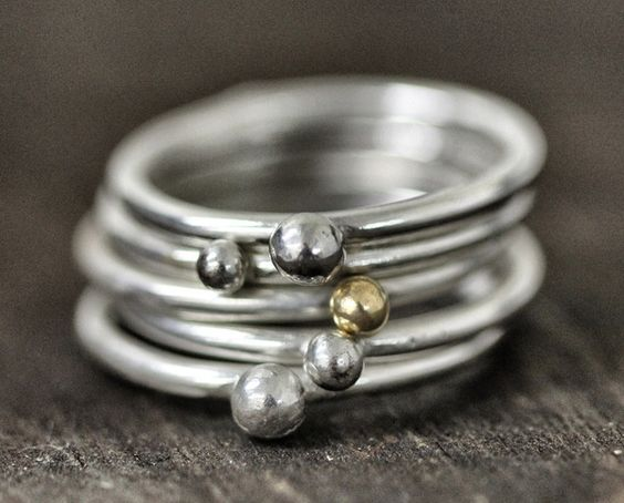 Pebble Ring Set of 5 by Monkeys Always Look >> Superb set, wonderful pieces to wear ALL the time!
