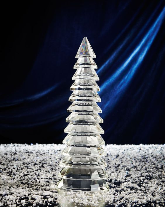 Medium Ribbed Glass Christmas Tree, Clear