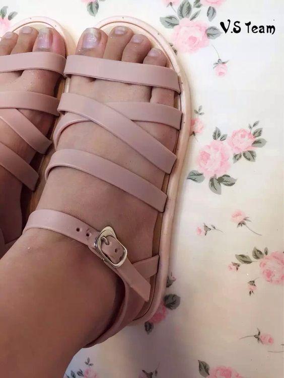 裸粉色罗马凉鞋-RM25 尺码:38 wechat asutmi1314