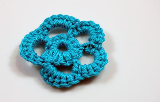 Bloem haken: Things, Crochet Yarns Ribbons, Bucket List, Haken Crochet, Bloem Haken, Haken Applicaties, Flower Crochet, I