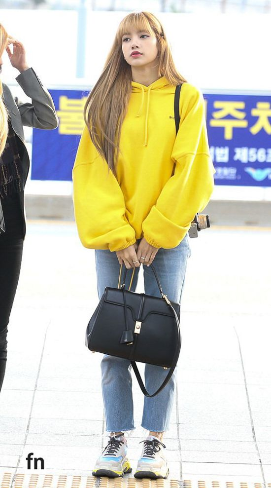 Steal The Style Bags Owned By Blackpink Members Blackpink Fashion Korean Outfits Korean Fashion
