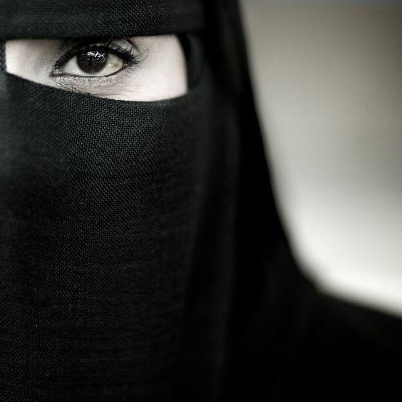 Eyes | Eric Lafforgue - Salalah Oman