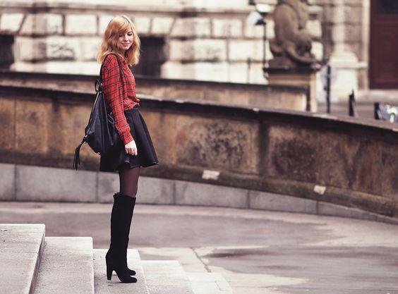 Outfit: Overkneestiefel zu Minirockbekleidet – fashionblog / travelblog Germany