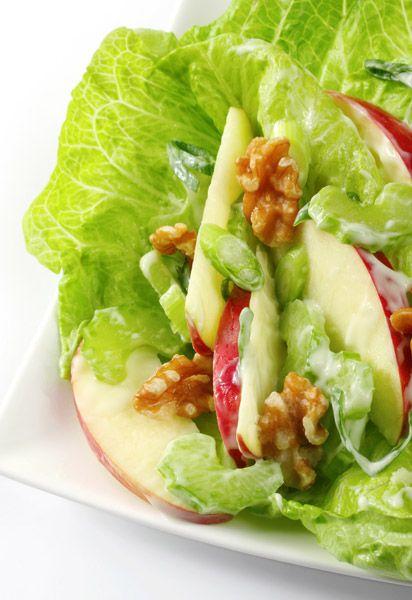Σαλάτα σέλερι με μήλα και καρύδια