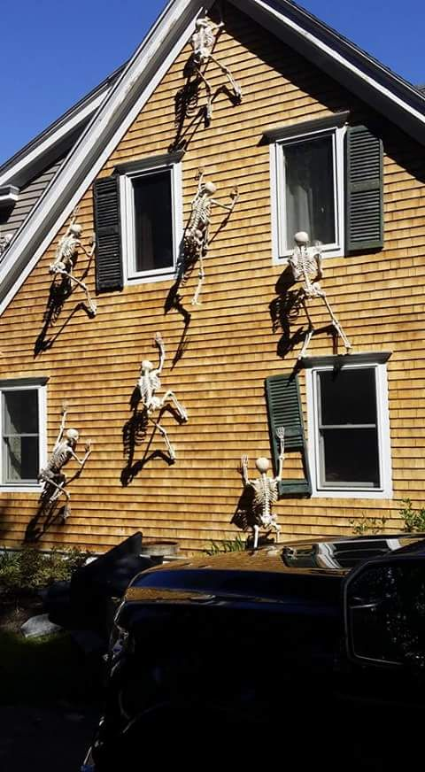Photo credit:  Post Mortem Society FB page. Home owner Jeff from NH created this look with cheap Walmart skeletons and screws. Awesome job! https://www.facebook.com/Post-Mortem-Society-765772626831412/timeline/