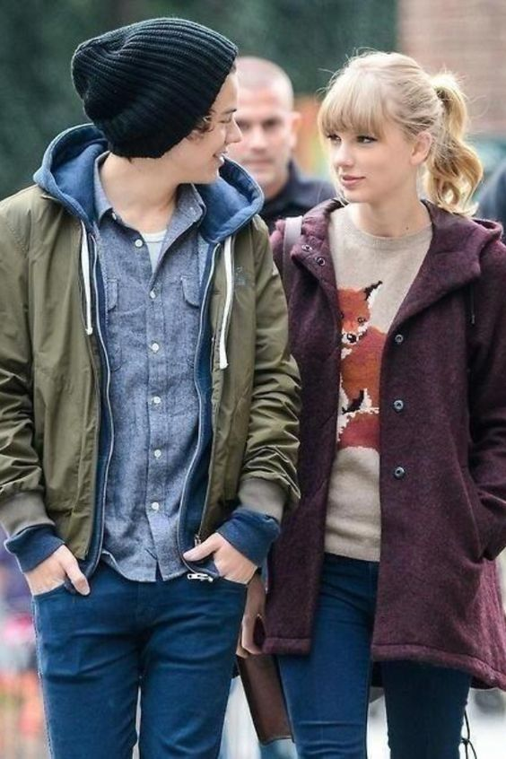 Haylor! i really hated them together at first, but this pic is really growing on me just because they look happy & cute <3