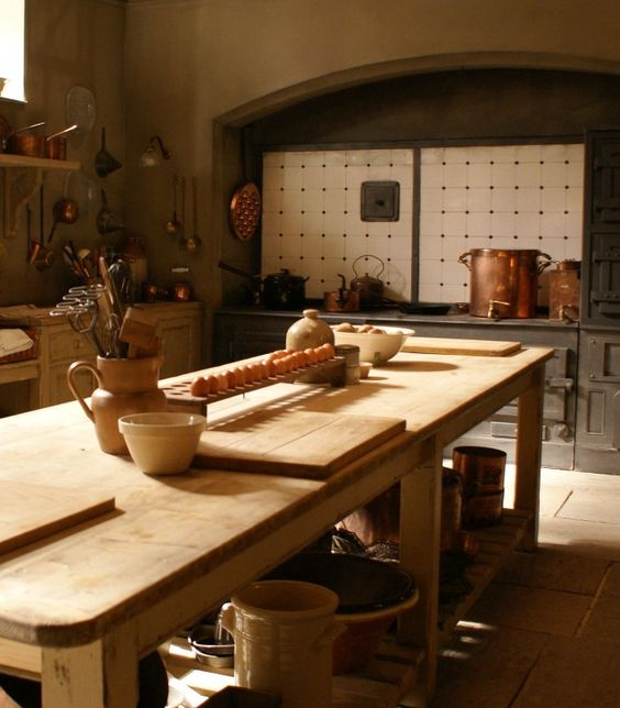 Downton abbey kitchen inspiration and paint on pinterest for Kitchen paint inspiration
