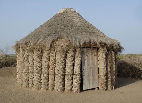 TYPICAL TIHAMA HOUSE, Palm trunk construction and thatched roof, Yemen: