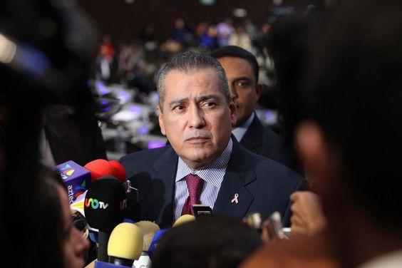 MÉXICO, D.F. (apro).- Ante el amago de diputados del PT, MC, Morena y PRD, la fracción del PRI retiró, por el momento, la modificación a la Ley General de Aguas y la cual, según sus detractores, pr...