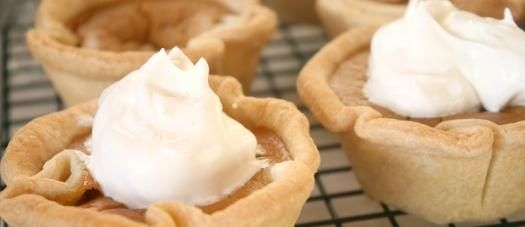 Mini Pumpkin PIes - Thanksgiving portion control at it's very best!