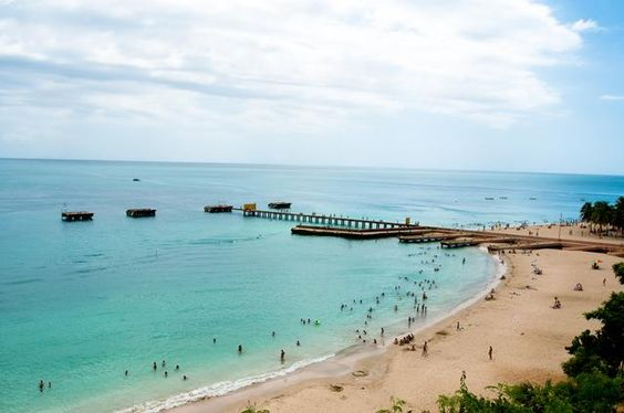 Beautiful Crash Boat Beach in Puerto Rico offers a unique snorkelling experience!