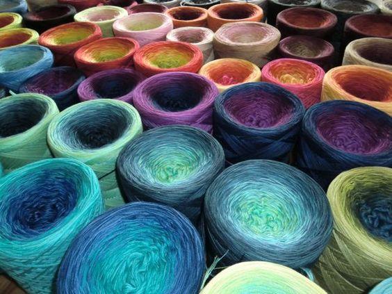 Farbspiele!!!!! I WANT this Yarn!!!!