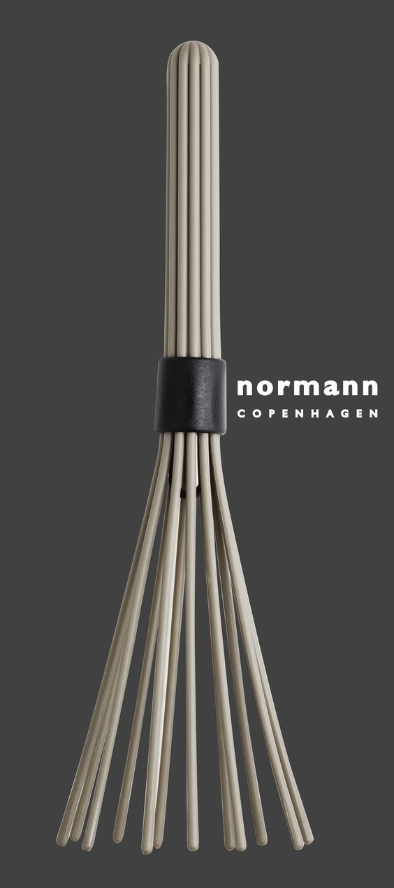 Beater piskeris fra Normann Copenhagen. Et smukt redskab til køkkenet. #inspirationdk #NormannCopenhagen #TrendyGray #gray