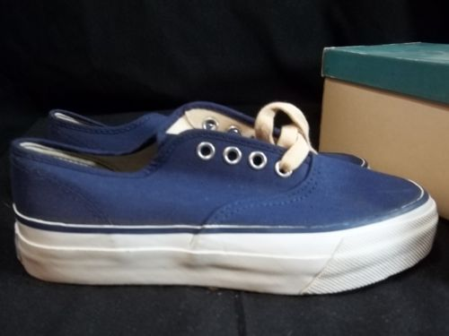 Vintage-Uniroyal-Oxford-Boat-Shoes-Boys-Navy-Blue-Canvas-Size-3-5-New-Old-Stock