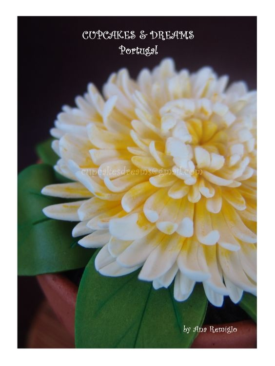 Chrysanthemum Mother In Law Birthday Small Vases With Flowers Sugar Paste Flowers
