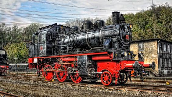 36843-vintage-steam-locomotive-1920x1080-photography-wallpaper: