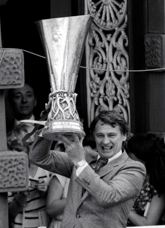 Sir Bobby Robson with the UEFA Cup. ITFC.