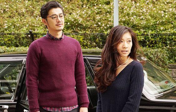 ドラマ「オトナ女子」で黒ニットを着た篠原涼子