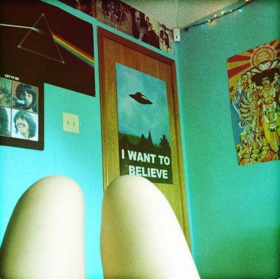 —Teenage bedroom 2  - popculturez.com