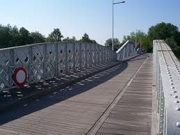 """The so called Mirabridge in Hamme. Famous for it's role in the movie """"De teleurgang van de Waterhoek"""", novel by Stijn Streuvels. The bridge actually stood in Avelgem, but was destroyed. The historic bridge across the river Durme was the suitable replacement."""