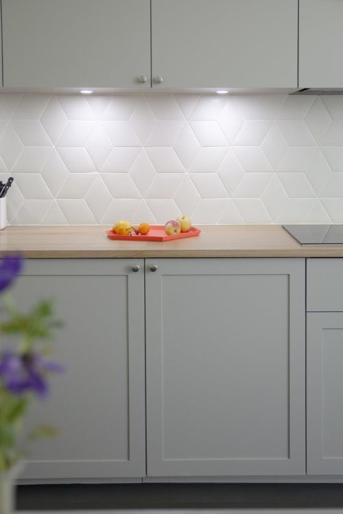 glass backsplash kitchen