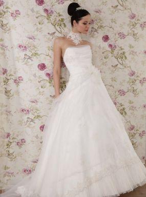 Model 1111Zapraszamy na przymiarki naszych sukienek w pracownii. Znajdziecie tu #tiulowe# #koronkowe# #muslinowe# i inne, zawsze #eleganckie# #suknie# #ślubne#