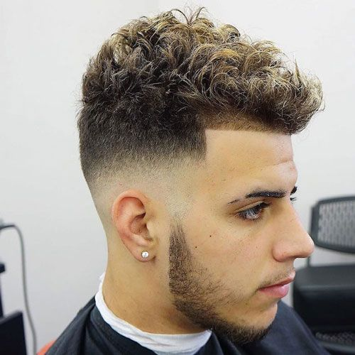 Mid Bald Fade Short Curly Hair Fadehaircuts Fades Menshaircuts Coolhaircuts Menshairstyles Typesoffadehaircu Mid Fade Haircut Faded Hair Fade Haircut