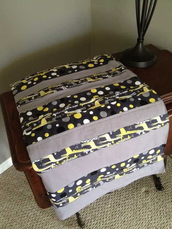 Mod Giraffe Strip Quilt by caisiescloset on Etsy, $89.00